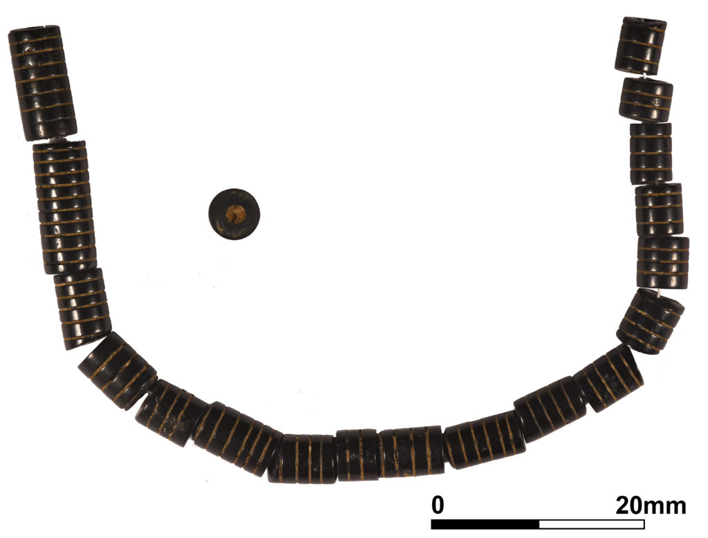 Roman jet bead necklace (c) A14C2H courtesy of MOLA Headland Infrastructure