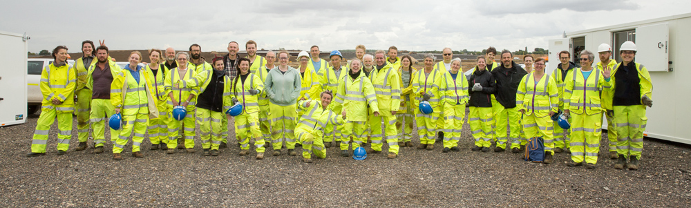 Group photo of the A14C2H community dig volunteers