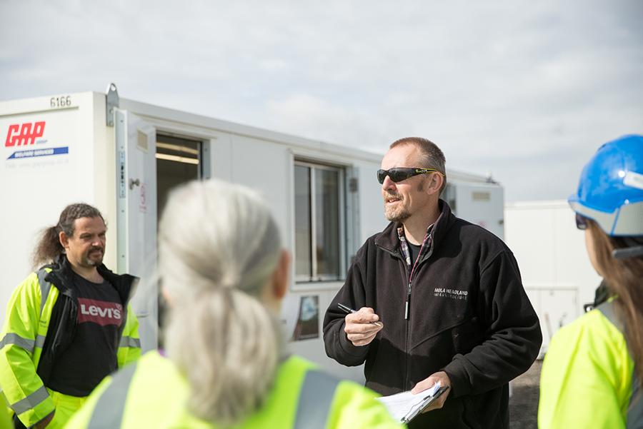 A14-COM-DIG-team-leader-Jeremy (c) Highways England, courtesy of MOLA Headland Infrastructure