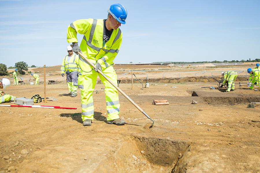 A14C2H Community Dig volunteer Karl (c) Highways England, courtesy of MOLA Headland Infrastructure
