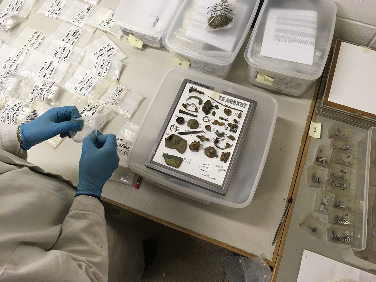 How are x-rays helping archaeologists identify finds from A14C2H?
